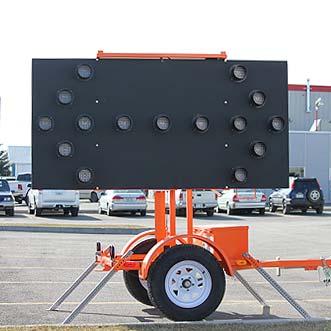 remorque avec fl che signalisation l vis. Black Bedroom Furniture Sets. Home Design Ideas